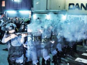 tropa_de_choque_dispara_contra_manifestantes